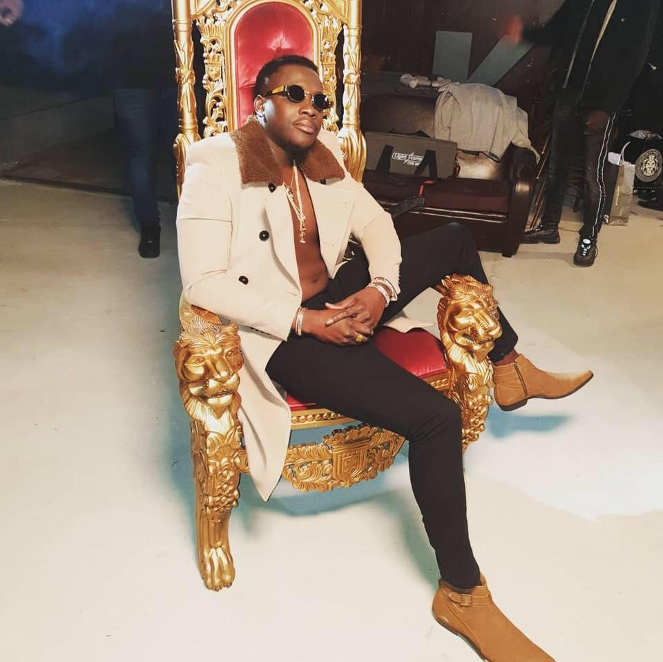 KING KJ  Photo