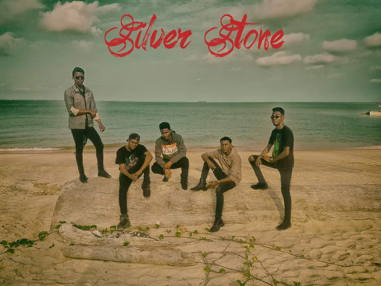 SILVER STONE Photo